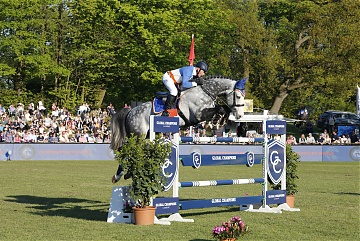 GCL of Hamburg - Valkenswaard United - John Whitaker on Cassinis Chaplin