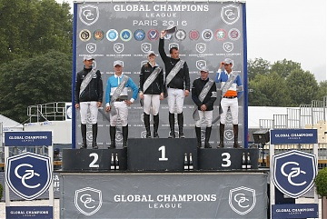 GCL of Paris - Team Antwerp Diamonds celebrates the victory