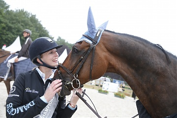 GCL of Paris - Team Antwerp Diamonds - Audrey Coulter and  Alex