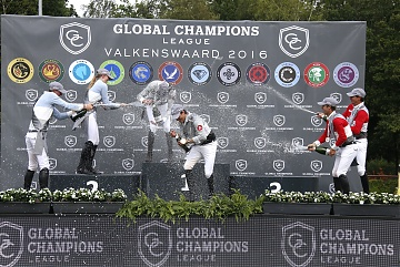 GCL of Valkenswaard - Prize giving ceremony - Champagne shower