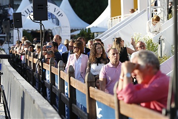 Huge crowd attended GCL of Cannes
