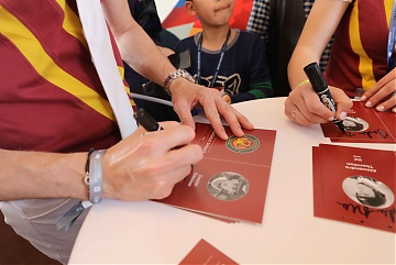 Autographs session for Team Shanghai Swans riders Daniel Deusser, Alexandra Thornton and Pius Schwizer
