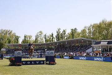 Fully packed grandstand during Round 2 of GCL Madrid