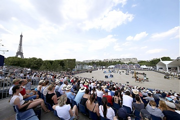 Huge crowd attended Round 2 of GCL Paris Eiffel