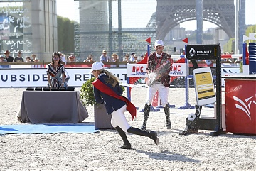 Champagne shower for Peder Fredricsson and Edwina Tops-Alexander
