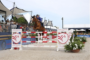 Team Valkenswaard United - Marcus Ehning (GER) on Pret A Tout