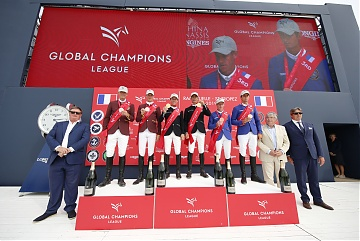 The podium: 1st Madrid in Motion, 2nd Shanghai Swans and 3rd Valkenswaard United