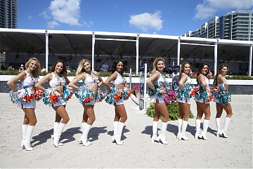 Cheerleaders perform at GCL of Miami Beach