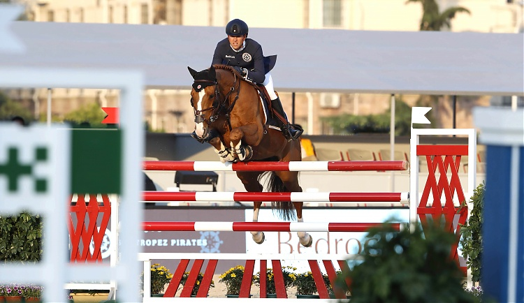 Pirates In Pole Position For Heavyweight Shanghai GCL Final